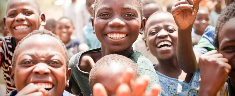 Laughing children in Malawi. (Source: Jakob Studnar)
